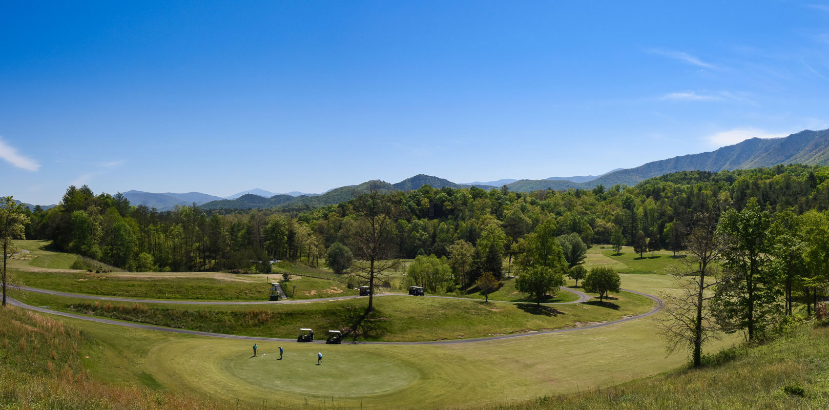 Townsend Golf Course with Mountain View
