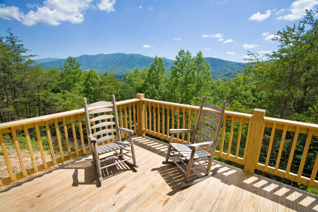 Townsend cabin rentals smoky mountain vacation homes for Dogwood cabin